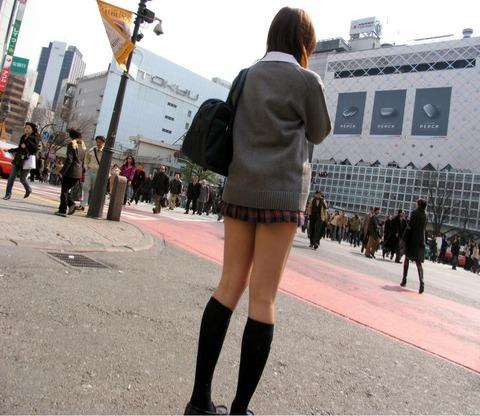 JKの生脚って春夏秋冬エロいよなwwwww★女子高生街撮りエロ画像・29枚目の画像