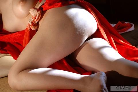 畳と浴衣とFカップ★最強の色気が俺の股間を刺激するwwwww★竹内あいエロ画像・19枚目の画像