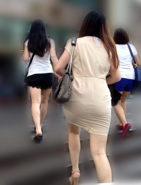 これパンツ見せてるっしょってくらい透けてるwwww★素人透けパン街撮りエロ画像・12枚目の画像