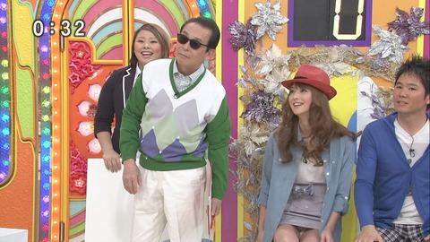 芸能人や女子アナのテレビで映っちゃったパンチラやおっぱいポロリのハプニング画像wwww・33枚目の画像