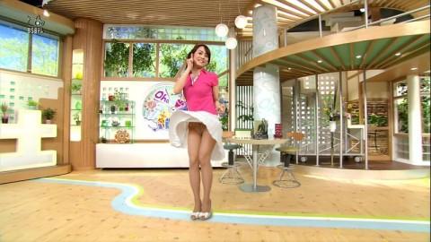 芸能人や女子アナのテレビで映っちゃったパンチラやおっぱいポロリのハプニング画像wwww・11枚目の画像