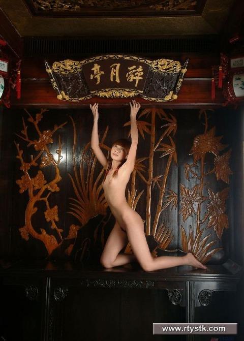 中国人画像★ヌードはエロいんだが、撮られ慣れしてなさ過ぎでワロタwwww・28枚目の画像