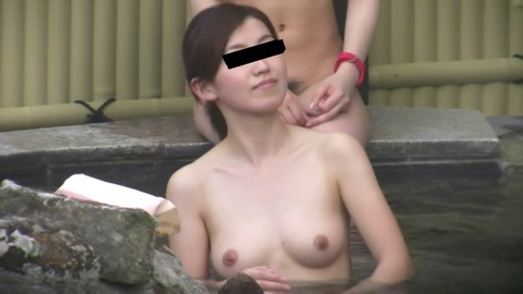 盗撮でしか見れない露天風呂の素の入浴wwww★素人盗撮エロ画像・23枚目の画像