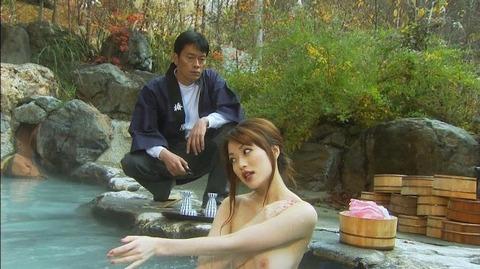 テレ東の湯けむりスナイパーとかいうドラマがエロシーンをふんだんに使って視聴率を取ってたwwww・13枚目の画像