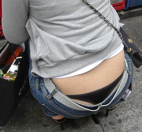 極論、素人はパンツを見たいらしいwwwww★素人ローライズパンチラエロ画像・41枚目の画像