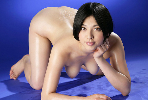 四つん這いで垂れ下がってる若い娘のチチwwwww★垂れてるおっぱいエロ画像・19枚目の画像