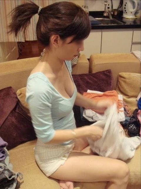 洗濯物画像★エロ目線でしか見れない洗濯物してる素人の奥さま方wwww・6枚目の画像
