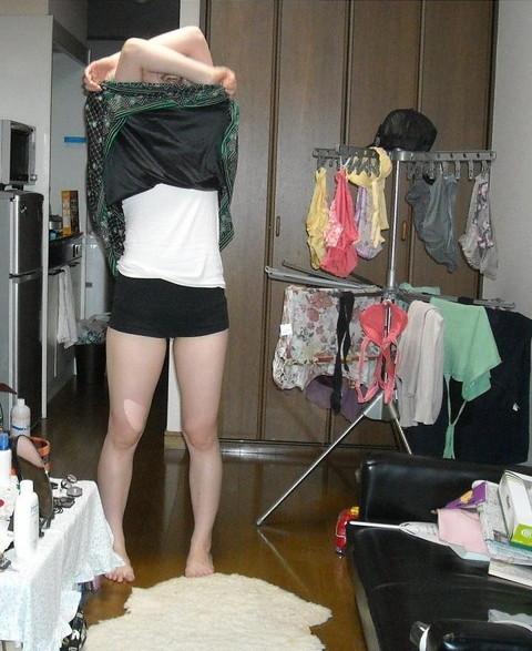 洗濯物画像★エロ目線でしか見れない洗濯物してる素人の奥さま方wwww・14枚目の画像