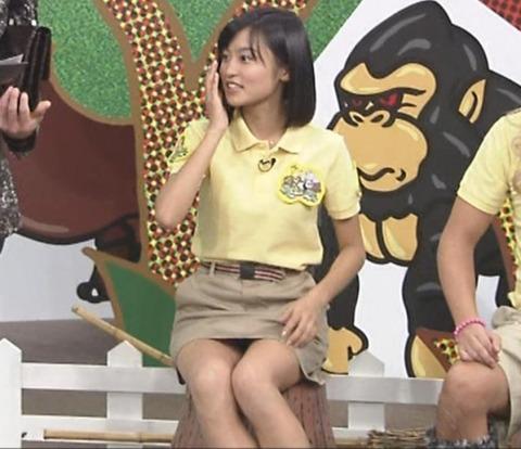 小島瑠璃子(こじるり)のテレビで映ったおっぱい見せつけお色気シーンのエロ画像wwwwwww・15枚目の画像