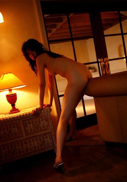 モデルからAV転向しちゃった岬リサの丸裸エロ画像・40枚目の画像
