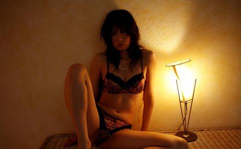 モデルからAV転向しちゃった岬リサの丸裸エロ画像・28枚目の画像