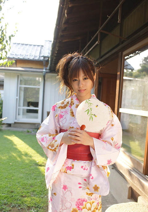 AV女優を引退しちゃった瑠川リナのヌード画像をご覧下さい★瑠川リナ画像・2枚目の画像