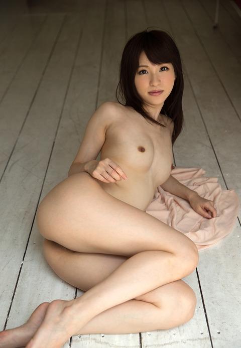 moe-amatsuka-039