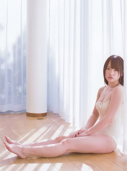 AKB48川栄李奈のヘソがかわいいwwww★川栄李奈の過激エロ画像・4枚目の画像