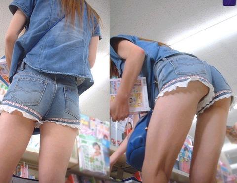 ケツをハミ散らかしながら歩く若いお姉さんの街撮りwwwww★素人街撮りエロ画像・17枚目の画像