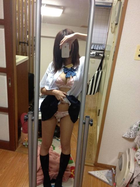 鏡に映してる素人の身体の出来の良さが異常wwwwwwww★素人鏡撮りエロ画像・28枚目の画像