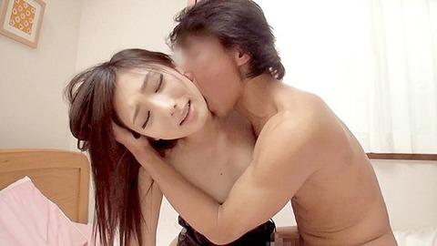 クビレが大分エロい素人さんの着衣セックスがマジエロいwwww★素人セックスエロ画像・17枚目の画像