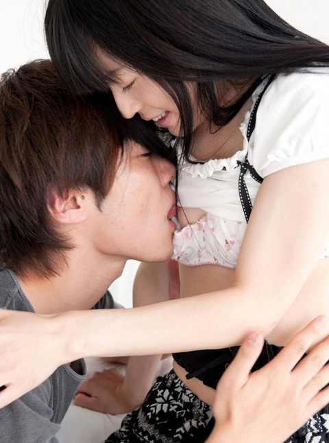 SEX中におっぱいを集中して攻撃するとこんな表情になるwwwww★乳首舐めエロ画像・10枚目の画像