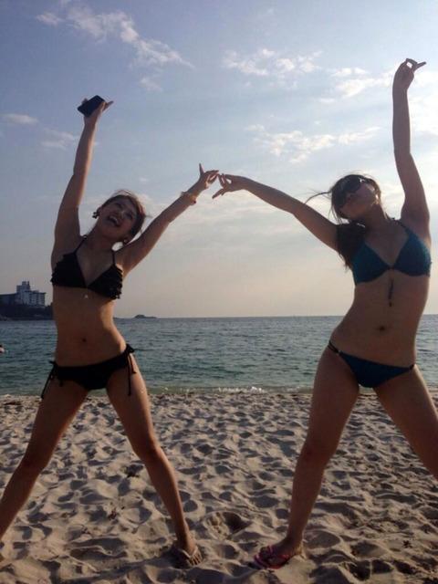 ビキニギャルの夏の思い出写真wwww★素人水着エロ画像・1枚目の画像