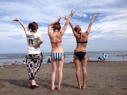 ビキニギャルの夏の思い出写真wwww★素人水着エロ画像・18枚目の画像