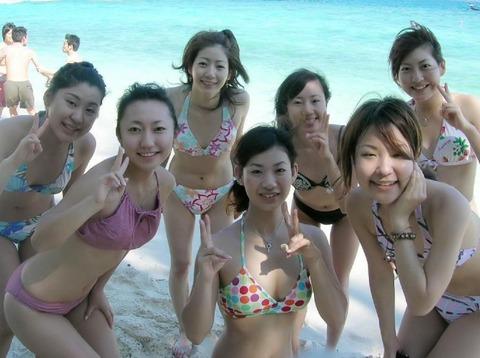 ビキニギャルの夏の思い出写真wwww★素人水着エロ画像・4枚目の画像