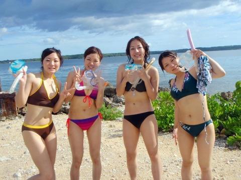 ビキニギャルの夏の思い出写真wwww★素人水着エロ画像・30枚目の画像