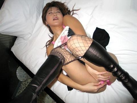 ブーツやハイヒール履いたままハメてる方々wwww★セックスエロ画像・4枚目の画像