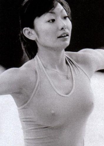 芸能人・女子アナ・歌手のtkbまで露出しちゃったハプニング画像wwww★芸能お宝エロ画像・33枚目の画像