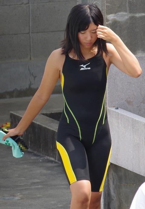競泳水着姿の皆さん!乳首からマン筋までくっきり映っちゃってますがwwwww★競泳水着エロ画像・30枚目の画像
