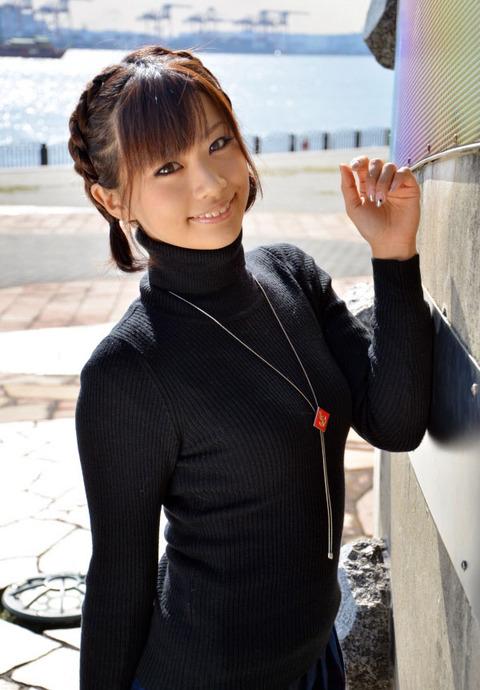 ピタっとセーターの着衣おっぱいがヤバいエロいwwww★セーターエロ画像・34枚目の画像