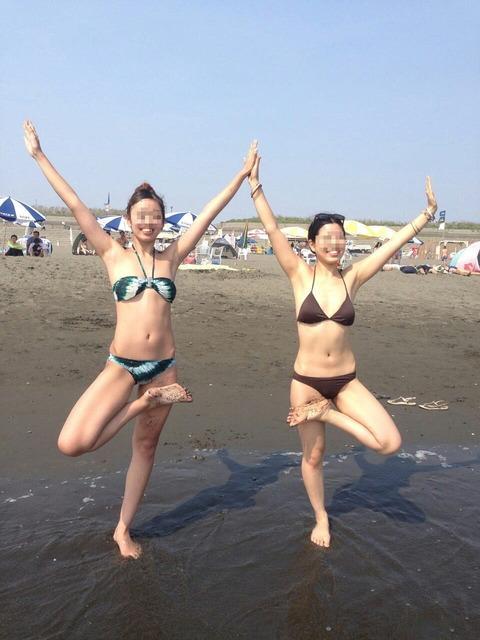 水着姿でテンション上がって悪ふざけしてる素人wwwww★素人水着エロ画像・38枚目の画像