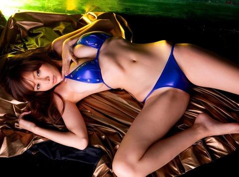 【新春】Gカップの驚異!!過激すぎる杉原杏璃のグラビア画像wwこれガチでエロい・12枚目の画像