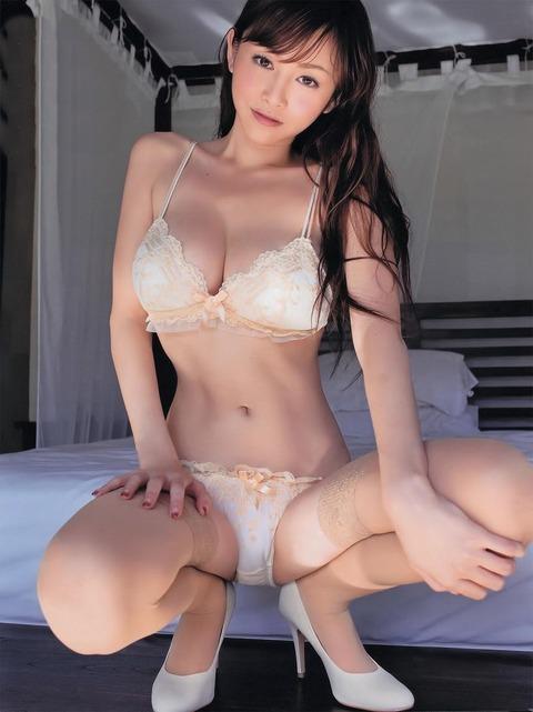 【新春】Gカップの驚異!!過激すぎる杉原杏璃のグラビア画像wwこれガチでエロい・13枚目の画像
