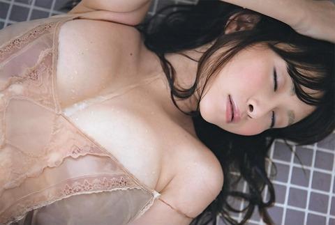 【新春】杉原はおっぱいだけじゃない!彼女のかわいい表情にちゅーもーく!ww・38枚目の画像