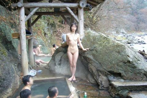 混浴・女風呂・露天風呂ですっぽんぽんになってる女の子のエロ画像★|2014年プレイバック記事・31枚目の画像