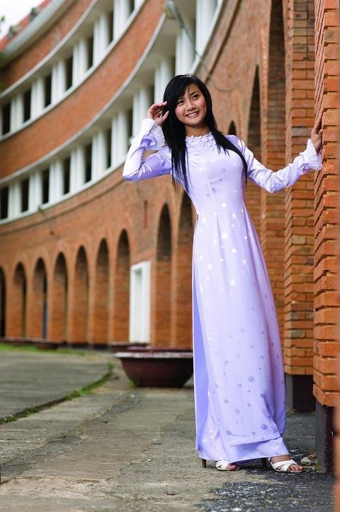 アオザイとかいうベトナムの民族衣装がクッソエロいwwwwww★民族衣装エロ画像・15枚目の画像