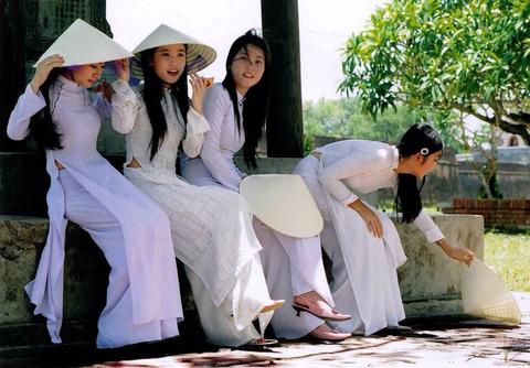アオザイとかいうベトナムの民族衣装がクッソエロいwwwwww★民族衣装エロ画像・12枚目の画像