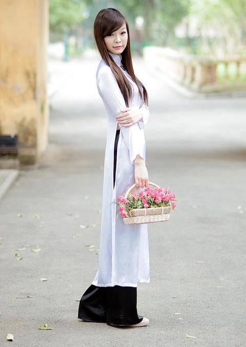 アオザイとかいうベトナムの民族衣装がクッソエロいwwwwww★民族衣装エロ画像・40枚目の画像