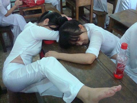 アオザイとかいうベトナムの民族衣装がクッソエロいwwwwww★民族衣装エロ画像・34枚目の画像