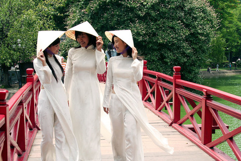 アオザイとかいうベトナムの民族衣装がクッソエロいwwwwww★民族衣装エロ画像・38枚目の画像