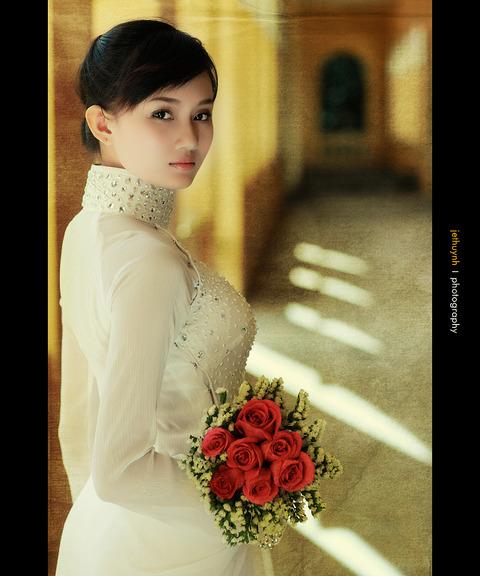 アオザイとかいうベトナムの民族衣装がクッソエロいwwwwww★民族衣装エロ画像・32枚目の画像