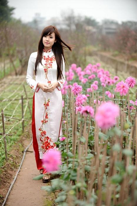 アオザイとかいうベトナムの民族衣装がクッソエロいwwwwww★民族衣装エロ画像・37枚目の画像