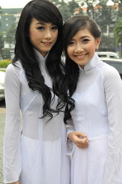 アオザイとかいうベトナムの民族衣装がクッソエロいwwwwww★民族衣装エロ画像・23枚目の画像