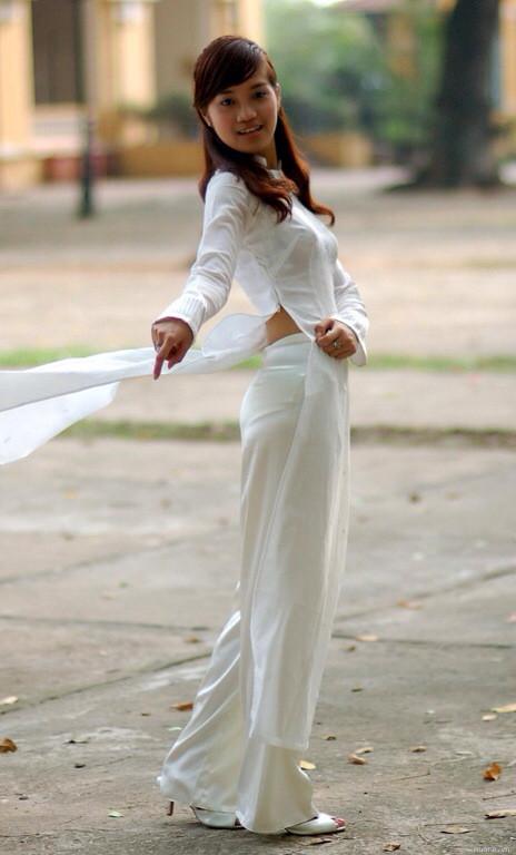 アオザイとかいうベトナムの民族衣装がクッソエロいwwwwww★民族衣装エロ画像・30枚目の画像