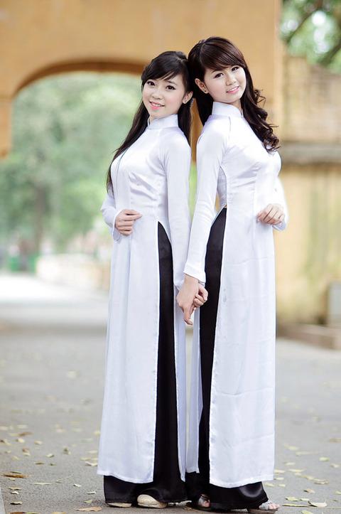 アオザイとかいうベトナムの民族衣装がクッソエロいwwwwww★民族衣装エロ画像・39枚目の画像