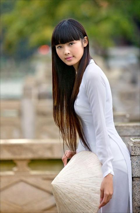 アオザイとかいうベトナムの民族衣装がクッソエロいwwwwww★民族衣装エロ画像・6枚目の画像