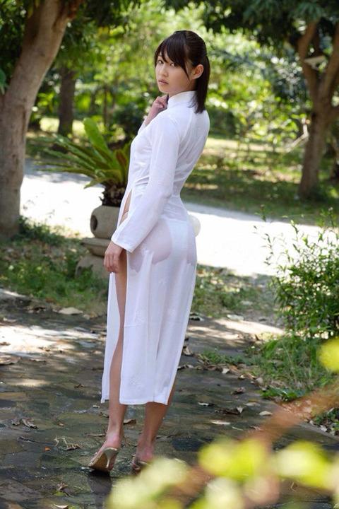 アオザイとかいうベトナムの民族衣装がクッソエロいwwwwww★民族衣装エロ画像・28枚目の画像