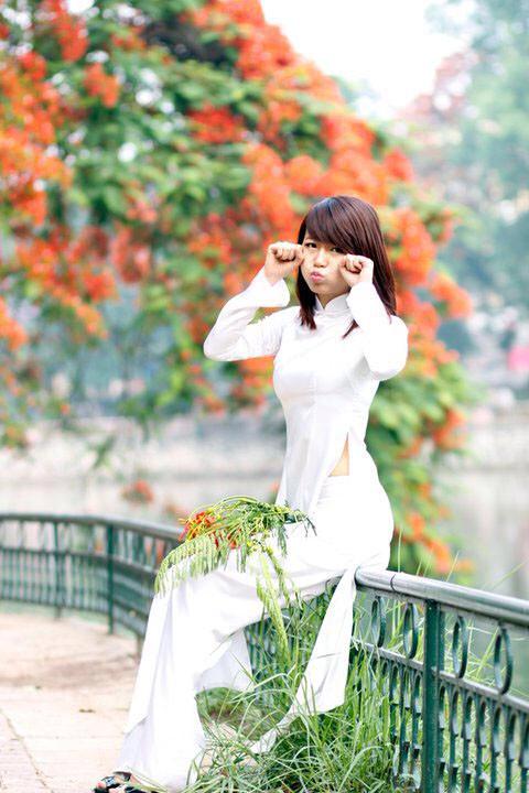 アオザイとかいうベトナムの民族衣装がクッソエロいwwwwww★民族衣装エロ画像・33枚目の画像