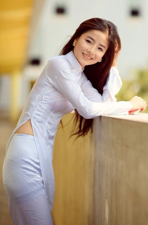 アオザイとかいうベトナムの民族衣装がクッソエロいwwwwww★民族衣装エロ画像・8枚目の画像