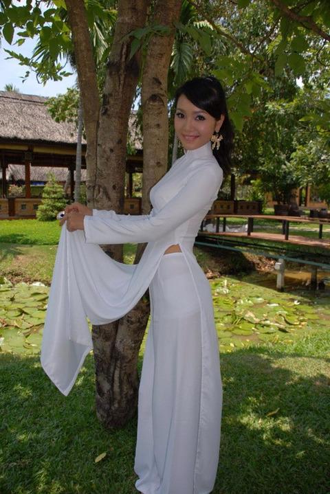 アオザイとかいうベトナムの民族衣装がクッソエロいwwwwww★民族衣装エロ画像・31枚目の画像